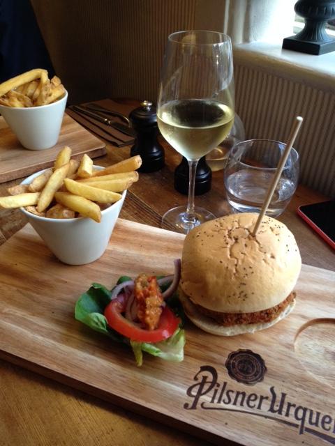 White Horse Easton: Burger & Pint Night